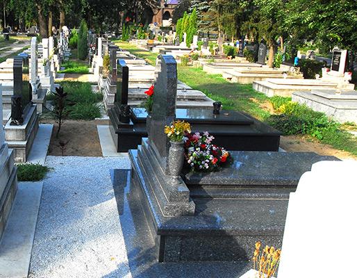 temetkezes-debrecen-koszoru-es-sircsokrok_2.jpg